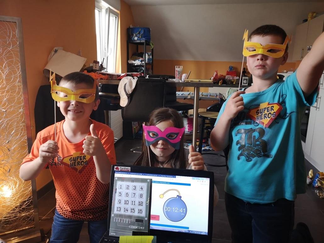 enfants super-héros / kids superheroes